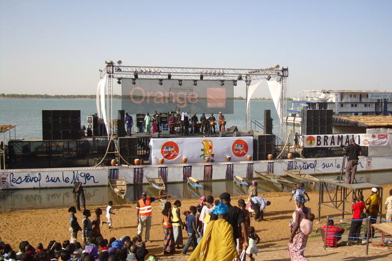festival-sur-le-Niger